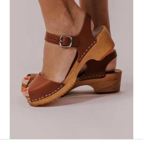 open toe mia clogs